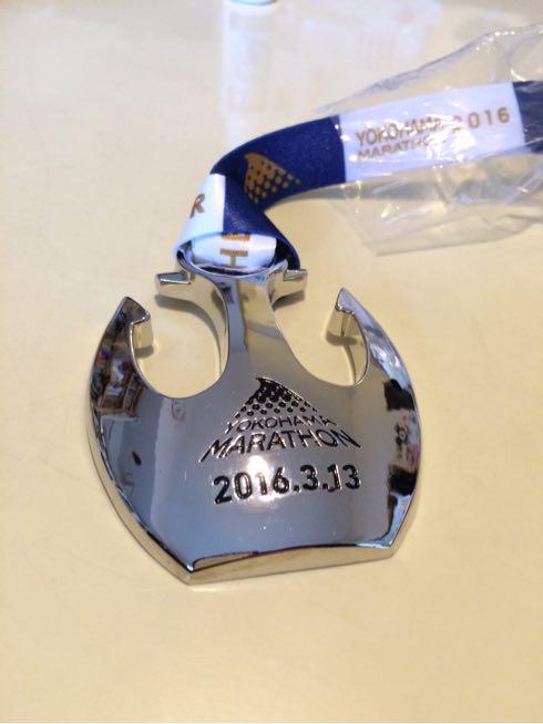 横浜マラソンの完走メダル