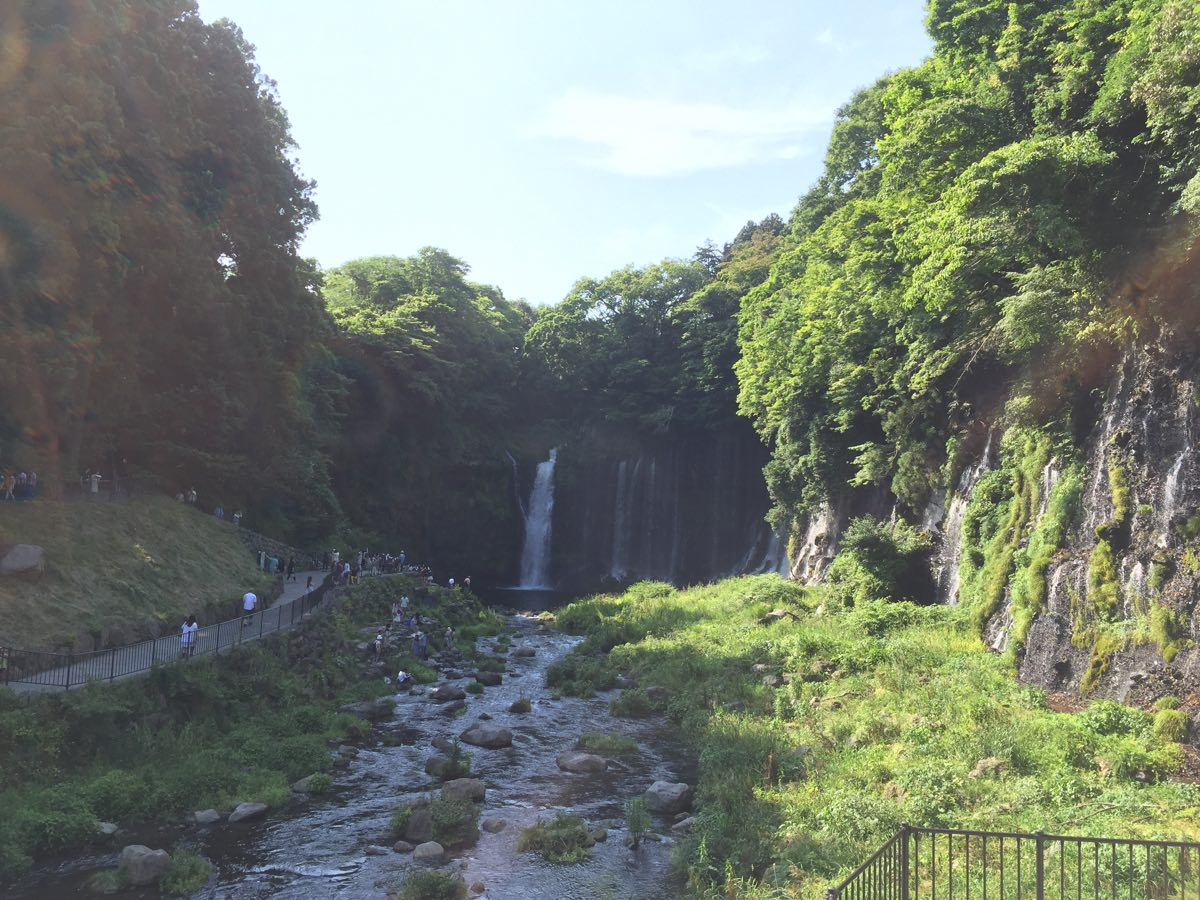 白糸の滝 富士宮 遠景